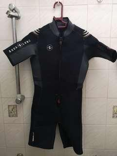 Aqualung shorty wetsuit