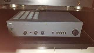 NAD302 stereo amplifier
