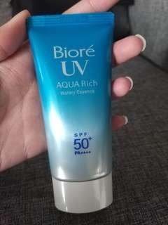Biore UV Aqua Rich Watery Essence