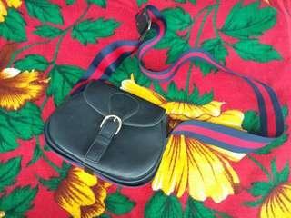 Sling strap bag