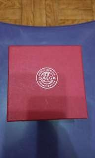 Omega service box