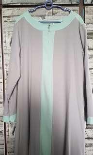 Light grey jubah