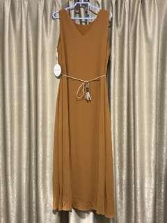 BNWT Brenna Maxi Dress