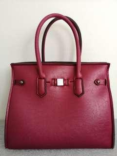 🚚 save my bag in dark red