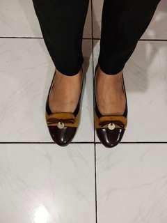 Symbolize Brown Flatshoes