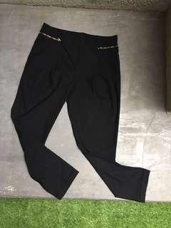 Zara - Black Tapered pants