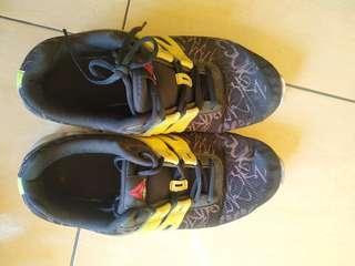 Sepatu Reebok Size 42 / 26,5 cm Nego No Dus