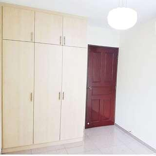 Common room for rent. Punggol. Walk to MRT
