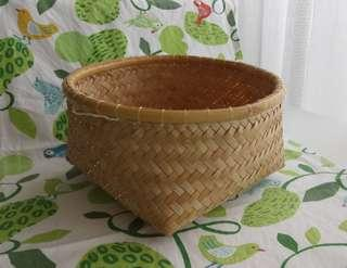 Basic rotan basket with hook