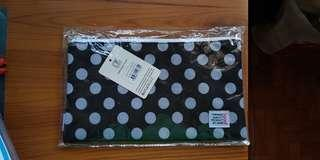 🚚 Icon black & white pokka dotted zipper bag