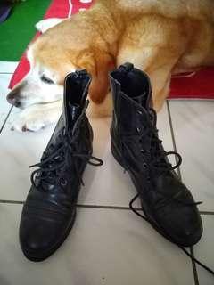 🚚 Air space黑靴子