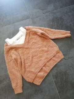 🚚 Brown n white knit furry top