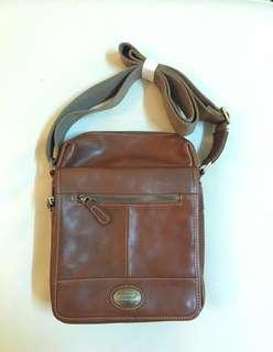 ORIGINAL KICKERS SLING BAG