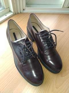 🚚 Zara 暗紅厚底靴