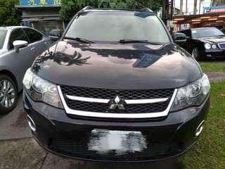 2010年尾12月歐蓮德 2傳天窗跑12萬多, 黑色黑內裝, 車在台北 售258000 歡迎賞車 請洽張艾瑪0968012735謝謝🙏