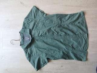 🚚 Mountain Hard Wear - Women - Size 6