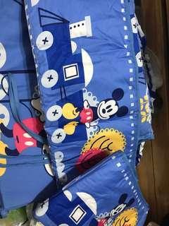 9成9新迪士尼BB床圍三件,拆開冇用過