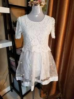(M) Korean lace dress with pearls