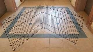 Very large fence for pets (95cm x 65cm per piece)