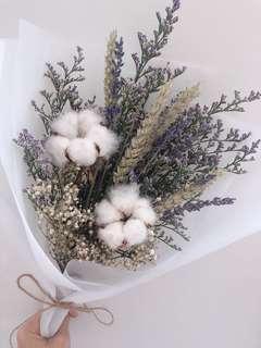 🚚 Dried flower bouquet ($38)