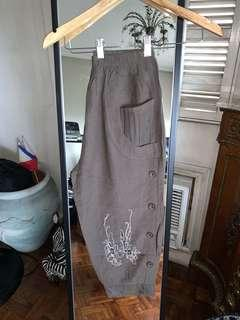 Buttoned Brown Pedal Pants