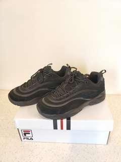 🚚 9.8成新 正版 FILA 老爹鞋 FS1SIA3230X 銀色線條