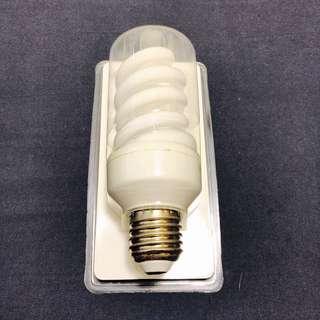 Light Bulb sparsam 820 lm 15w E27