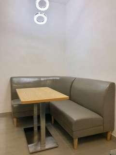 4人 餐枱 梳化椅