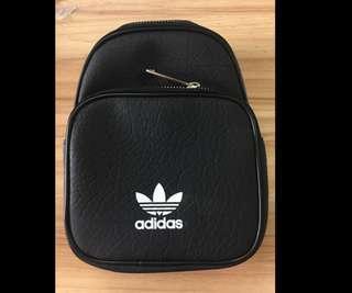Adidas後背小包