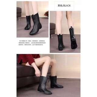 限時免運優惠中(強烈推薦物超所值款)韓系百搭菱格紋造型輕便晴雨靴款