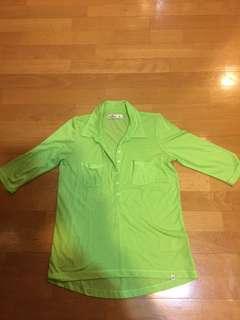 🚚 蘋果綠七分袖襯衫版上衣