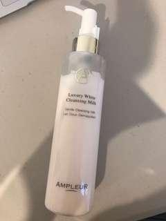 Ampleur luxury white cleansing milk