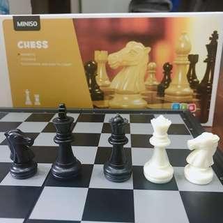 🚚 折疊式西洋棋