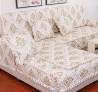 🚚 Padded sofa cover w anti-slip