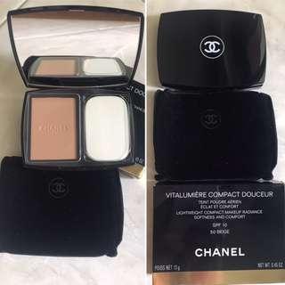 Channel Vitalumiere Compact Douceur (Compact Powder)