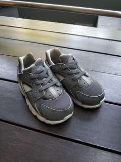 🚚 Nike Air Hurache  (7c)