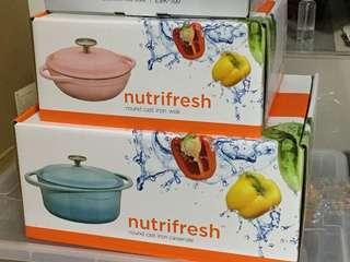 Nutrifresh 粉藍色圓形雙耳鍋(鑄鐵廚具系列)