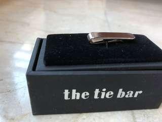 Silver tie bar (the tie bar)