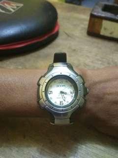 Hoops jam tangan