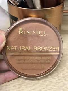 Rimmel natural Bronzer (sun bronze)