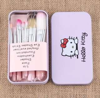 🚚 INSTOCK minimalist cute Hello Kitty Make Up Brush Set / travel size cosmetic brushes