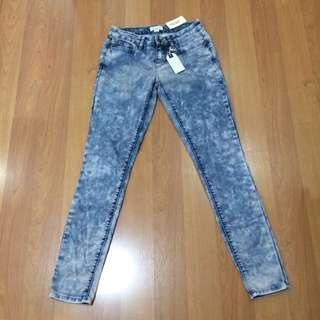 New:Forever21 denim skinny jeans