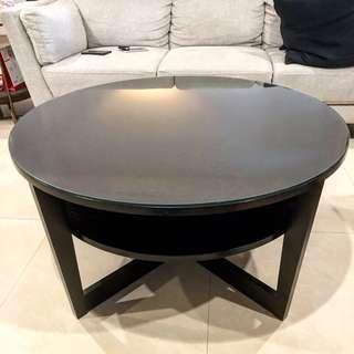Coffee Table / Circle Shape / Glass
