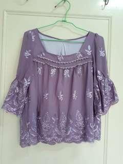 含運 日系紫色白碎花荷葉袖上衣