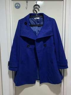 寶藍色厚實A字大衣外套
