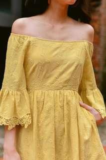Fashmob Keegan off shoulder dress in yellow