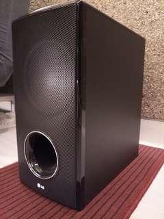 LG Soundbar Model NB3520 + subwoofer