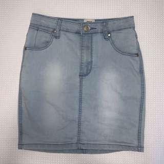 One Way Denim High-Waisted Skirt Size 8