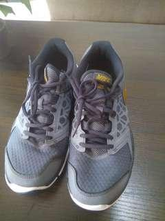 Reprice Nike Running Shoes Flex PRELOVED