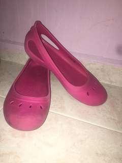 3179826f191c26  9 Crocs Sandals Pink (Brand New)